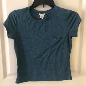 {4 for $25} blue cropped tee